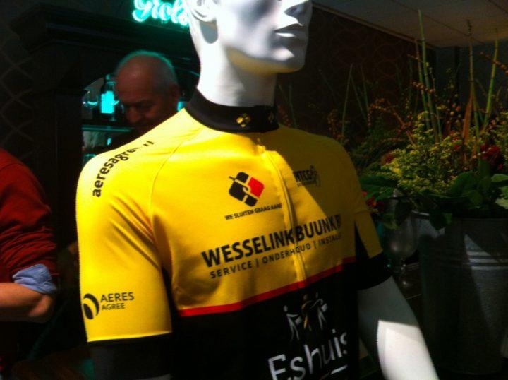 Nieuwe clubkleding bij de jaarvergadering WTCG
